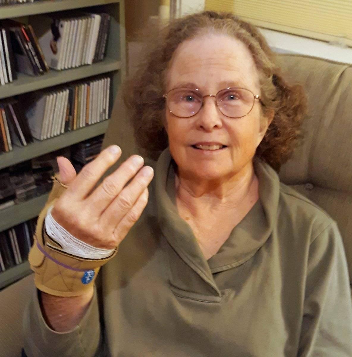 2020 Oct 20 S's smaller old thumb brace.jpg