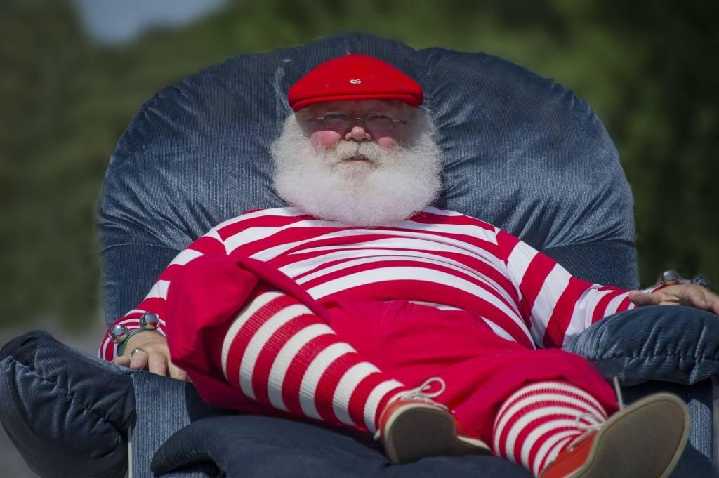 Santa-in-Parade-1024x681.jpg